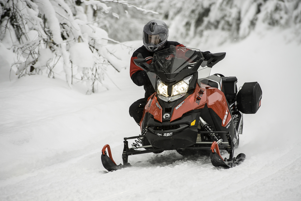 Ski-Doo GSX LE Turning