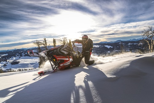 Polaris Snowmobile ripping through the snow
