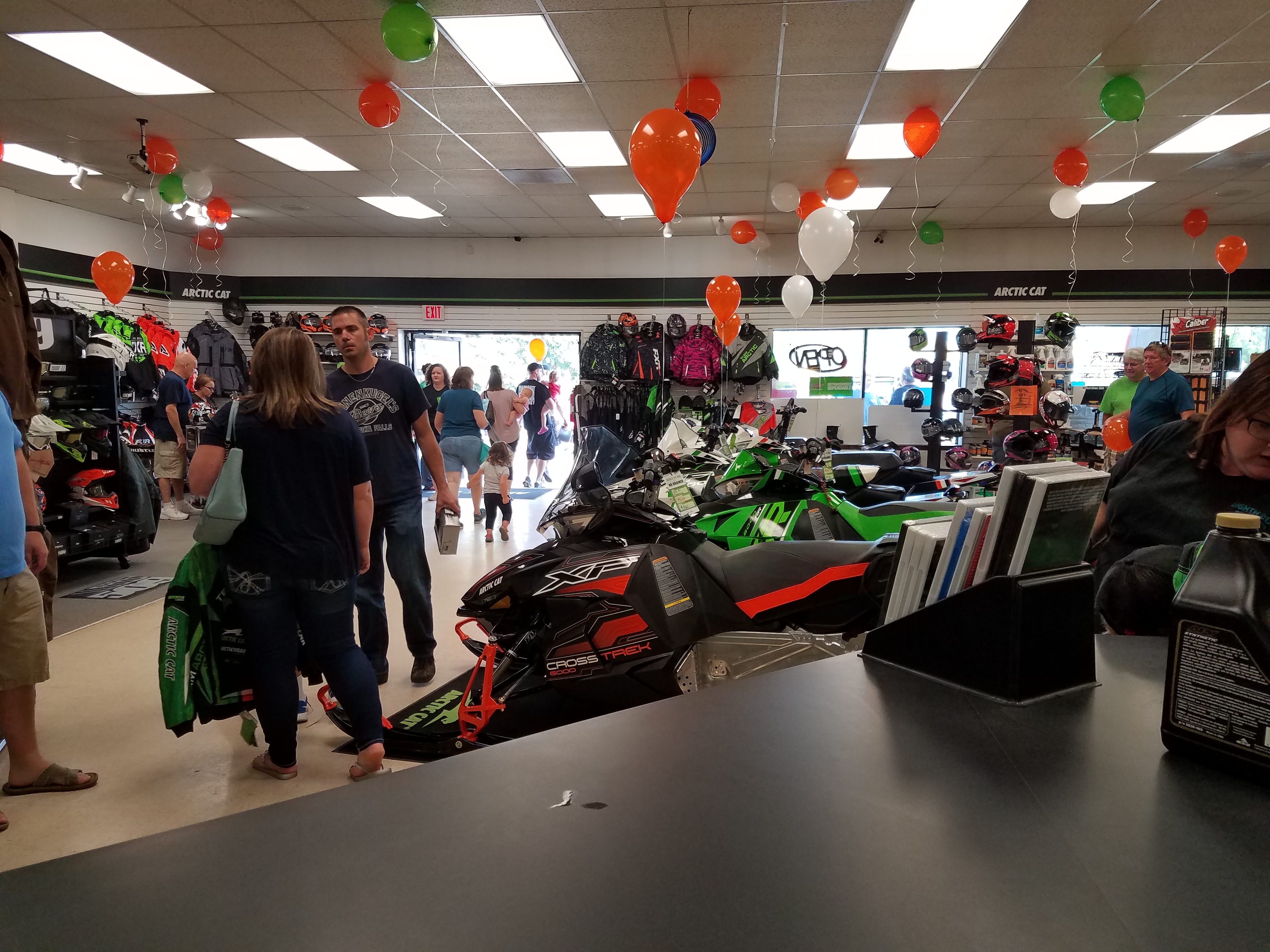 Lighthouse Motorsports and Marine Open House 2017 Balloons