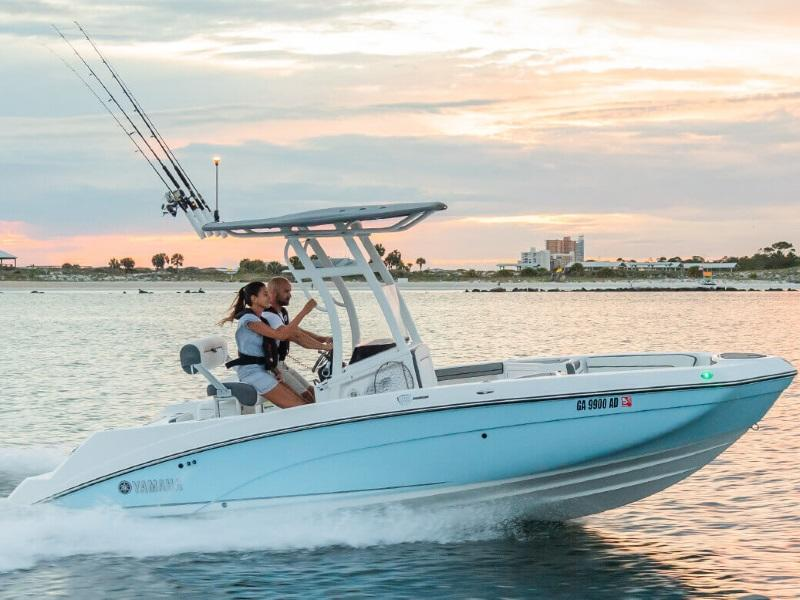 2019 Yamaha Marine 210 FSH Sport on water