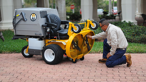 Commercial Lawn Mowers from Walker Power Place, Inc