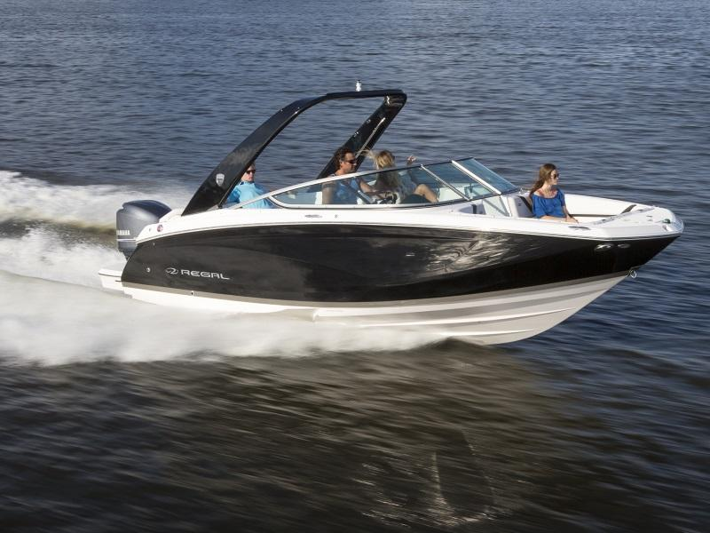 Family cruising on 2019 Regal 23 OBX bowrider