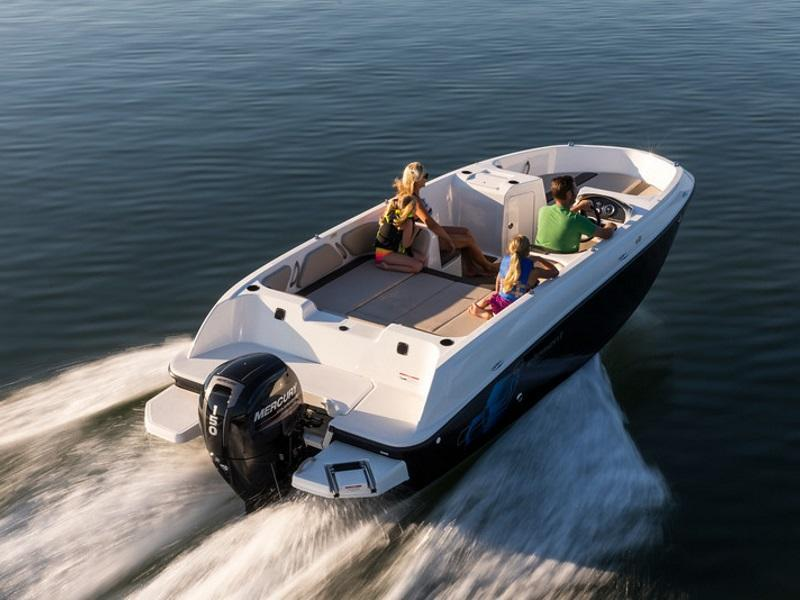 2019 Bayliner Element E21 on the water
