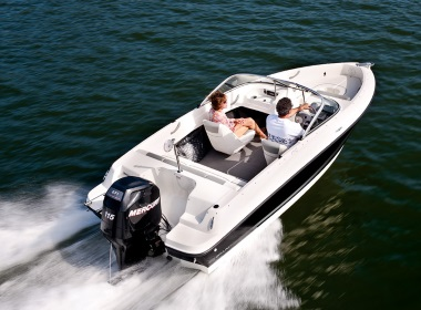 a couple on a 2015 Bayliner 170 Bow Rider boat