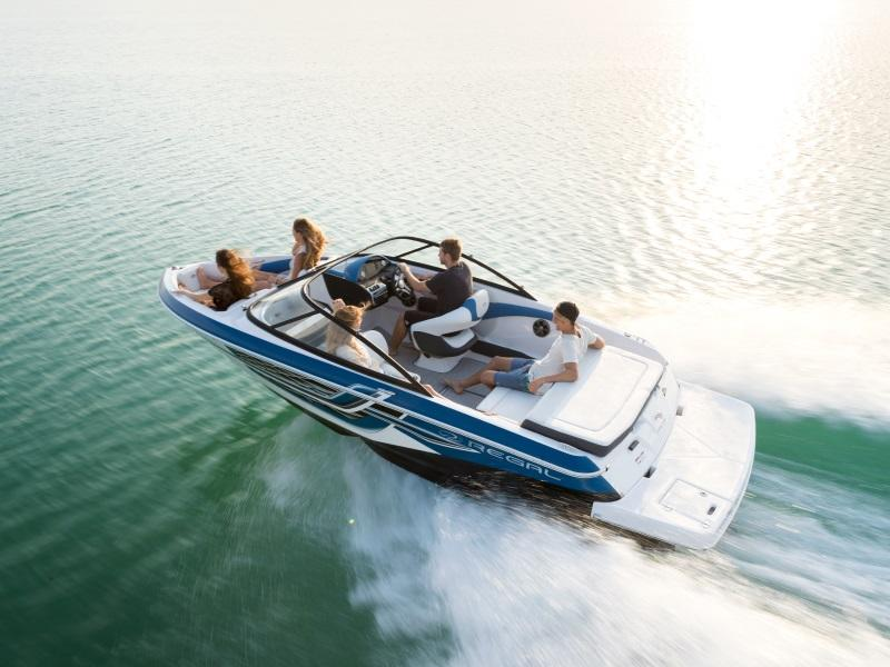 2018 Regal 19 Surf on the water