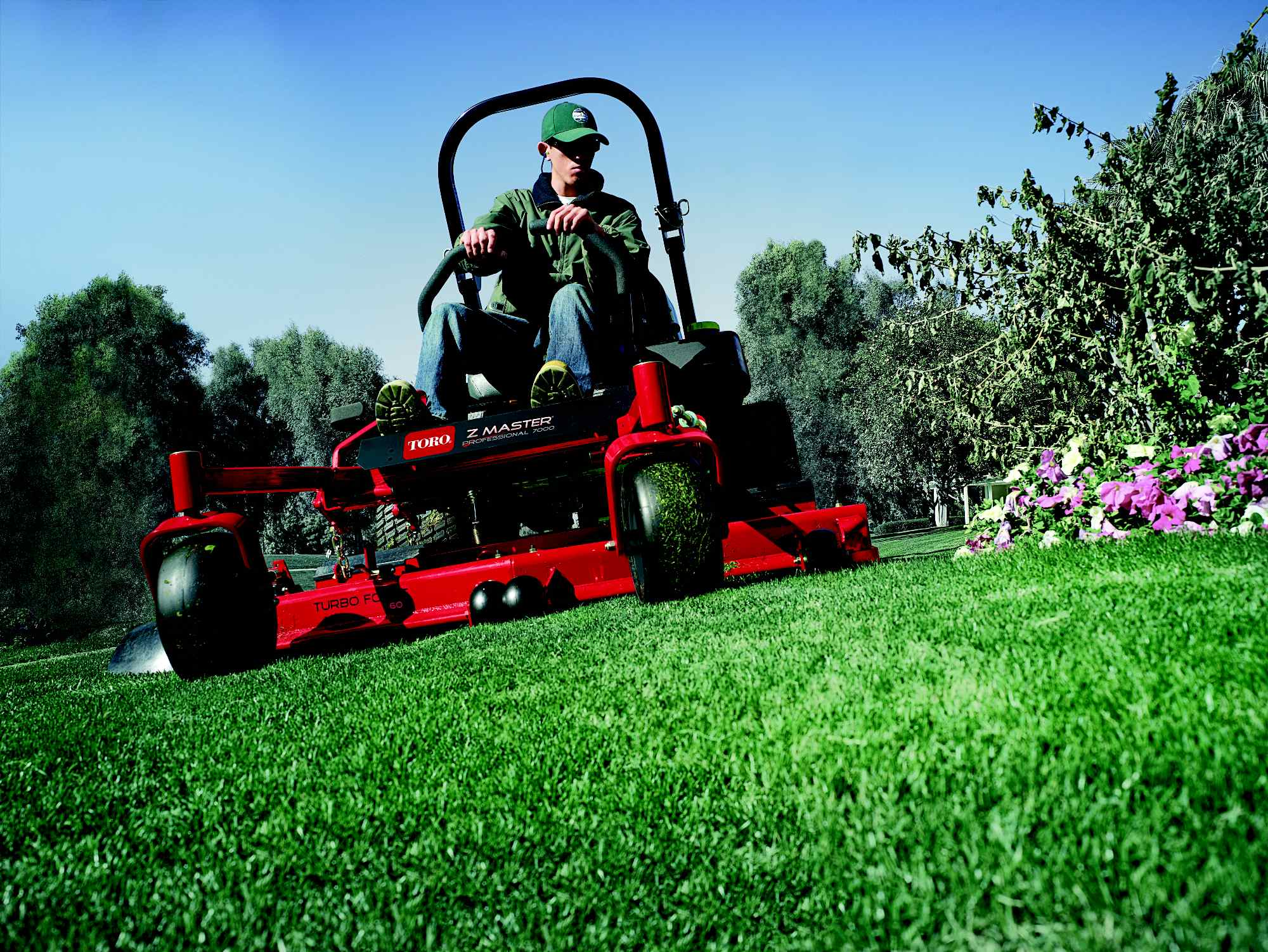 Commercial Lawn Mowers and Residential Lawn Mowers from Toro