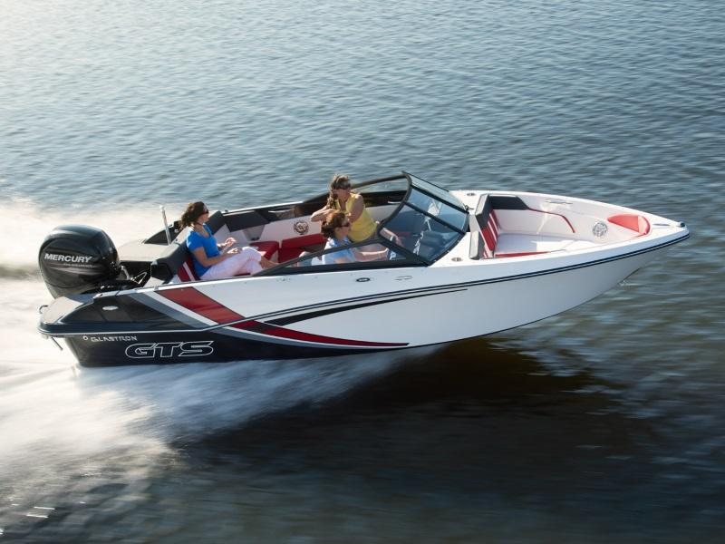 Glastron GTS Boat