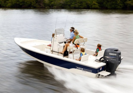 a family on a 2019 Pathfinder 2200 TRS boat
