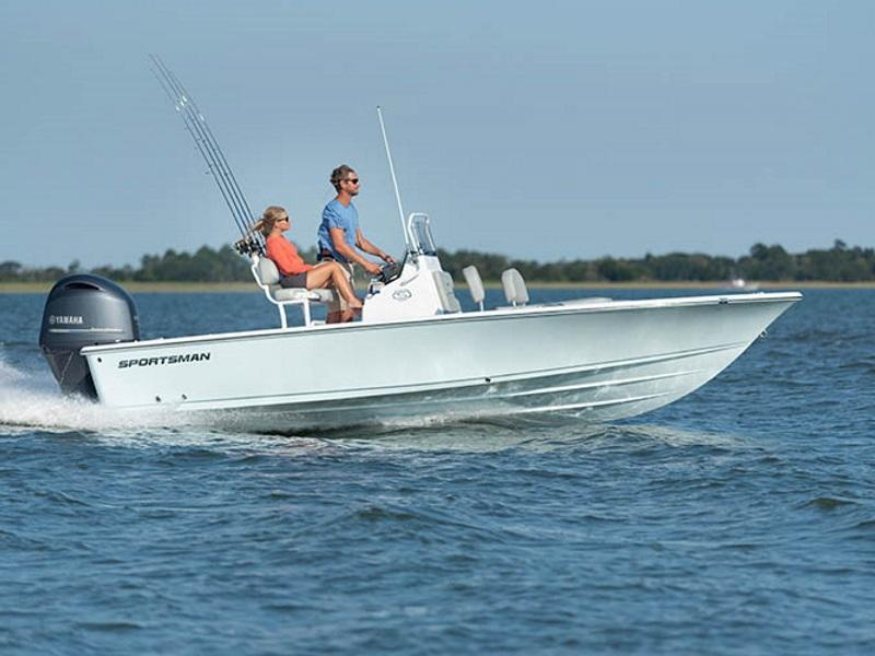 A couple enjoying the water on a 2019 Sportsman Masters 207
