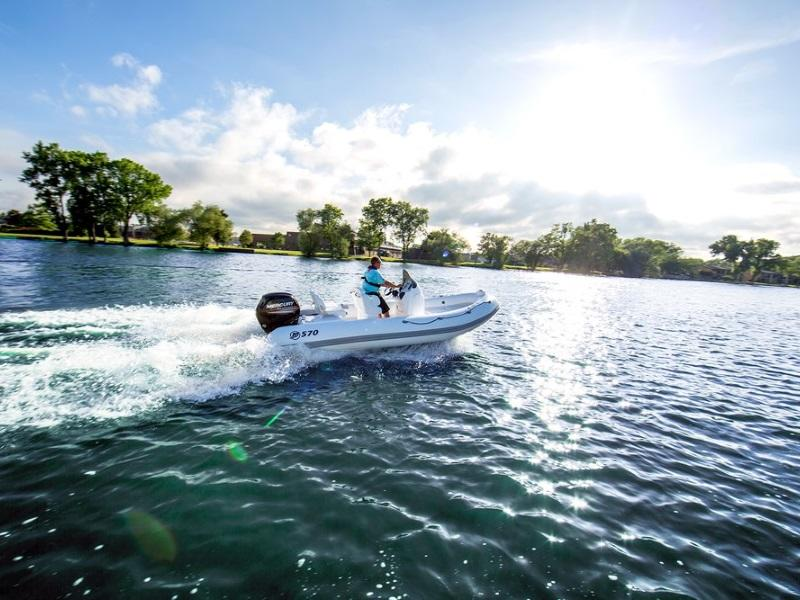 Man enjoying the water on 2019 Mercury Marine® M 400 HP