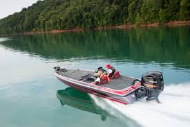 Getting a Skeeter Boat up to full speed on the water