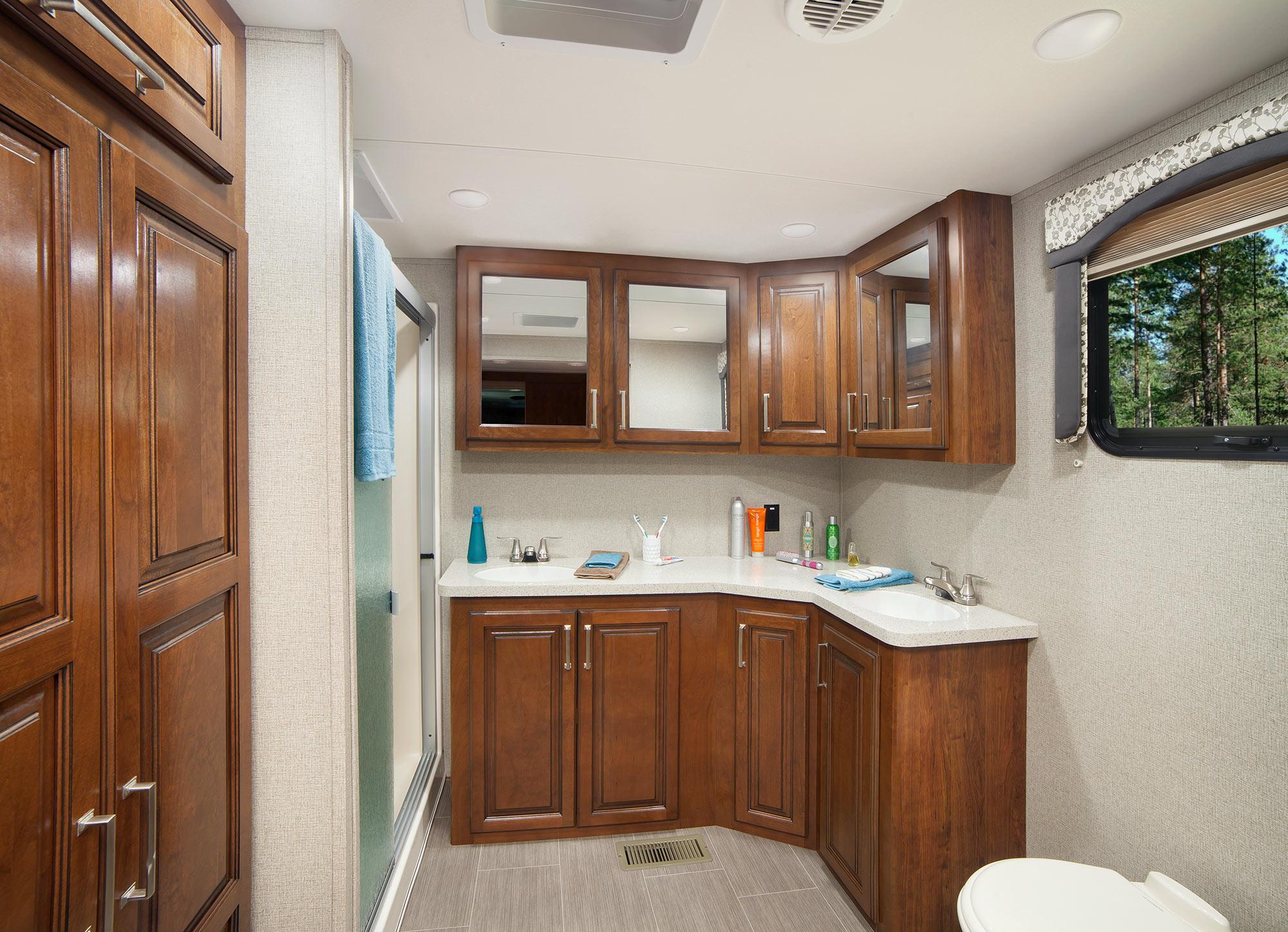 Keystone Alpine Fifth Wheel Bathroom, Tiffin, IA