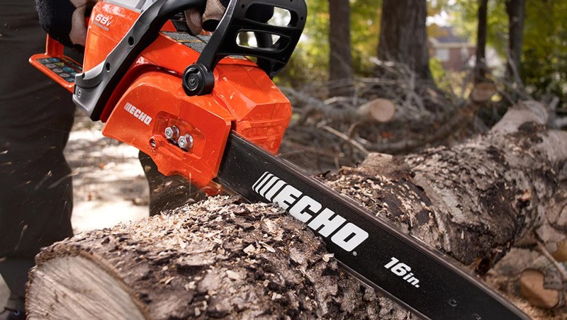 16 Inch ECHO Chainsaw Cutting Tree