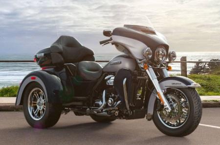 a 2019 Harley-Davidson® FLHTCUTG tri glide