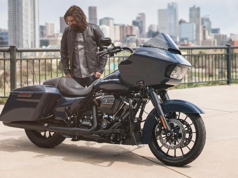 Harley Davidson Touring Bike