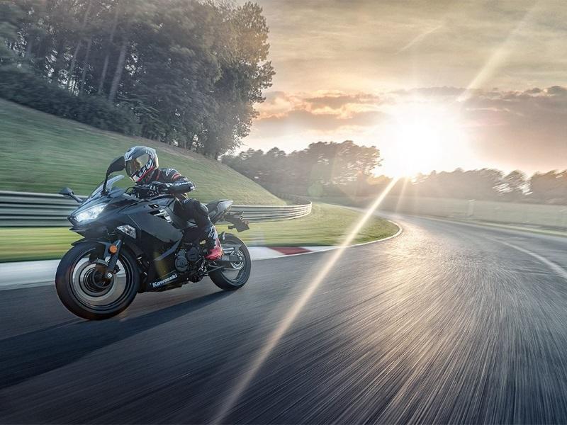 2019 Kawasaki Ninja® 400 on race track corner