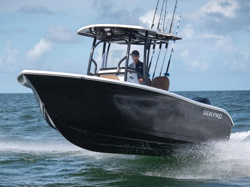 Sea Pro 219 on the water