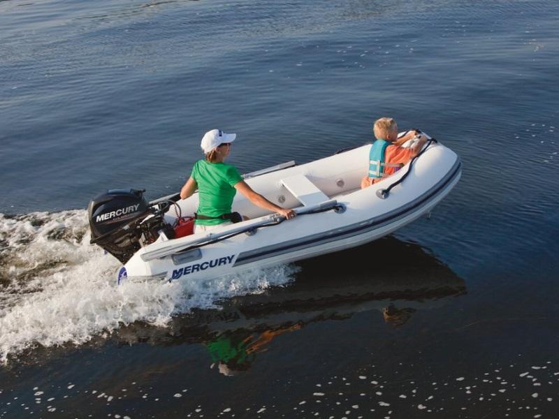 2019 Mercury Marine® 240 Air Deck