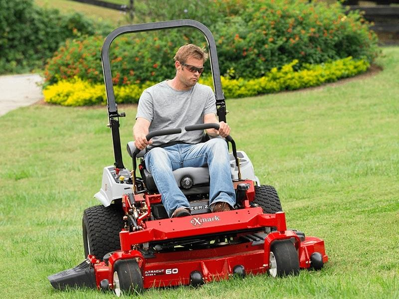 2019 exmark lazer Z E-series mowing grass